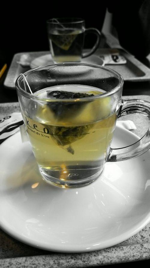 tee drink glass