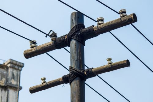 telephone poles gallows wire