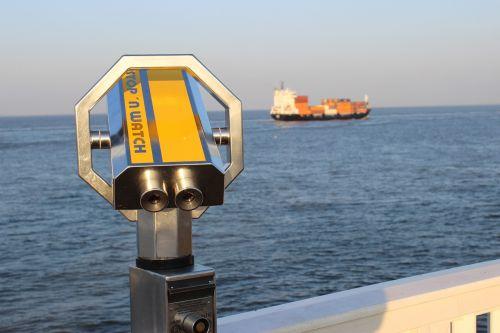 telescope elbe ship viewpoint