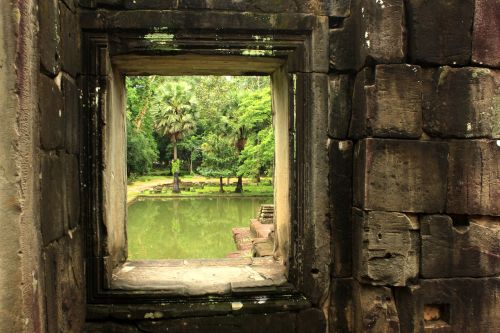 temple angkor watt ruins