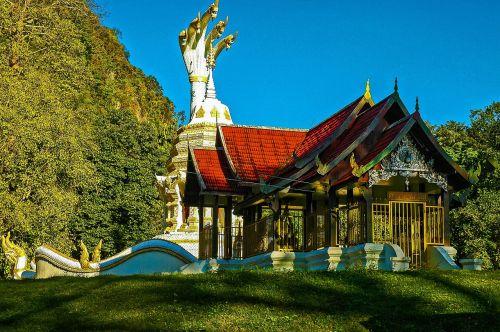 temple chiang dau thailand