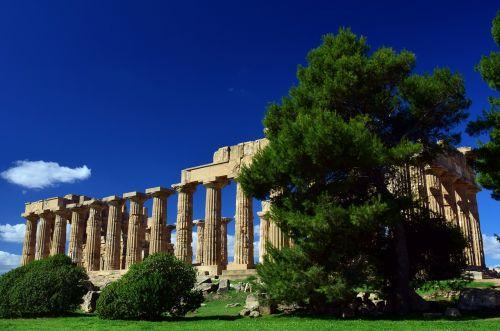temple greek ruin