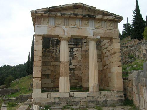 temple of delphi ancient greek