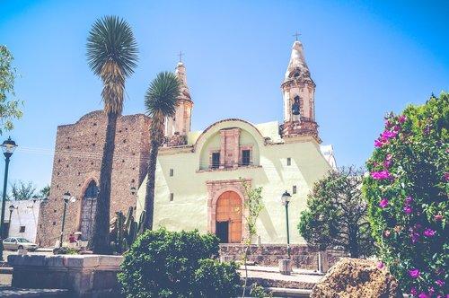temple of mouths  plaza  bocas slp