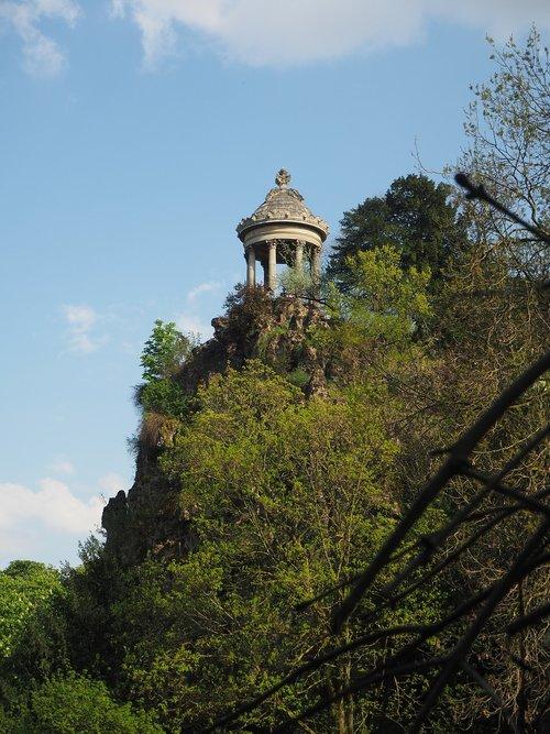 temple sybille  parc des buttes-chaumont  park