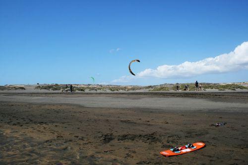 tenerife kitesurfer kitesurfing