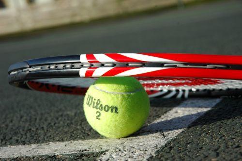 teniso raketė,teniso kamuoliukas,tenisas