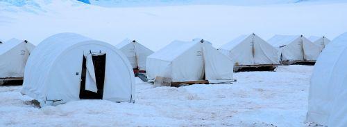 tent snow winter