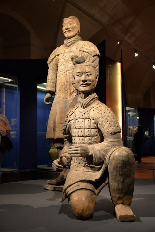terracotta warriors statue