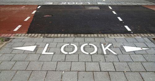 text sidewalk crossing