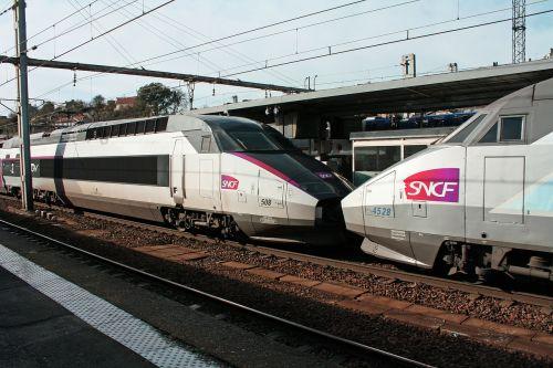 tgv trains coupled tgv two tgv trains