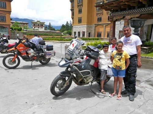 thai family bikers