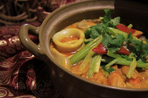 thai cuisine thai house thai curry seafood clay pot