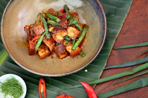 thai food prik khing crispy pork