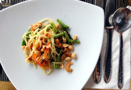 thai food salad papaya