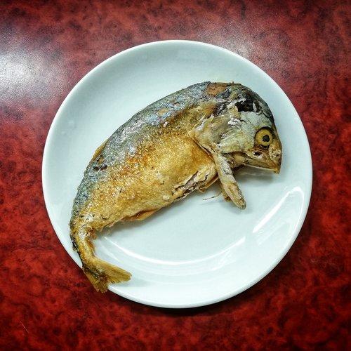 thai street food  fried tuna  fried mackerel