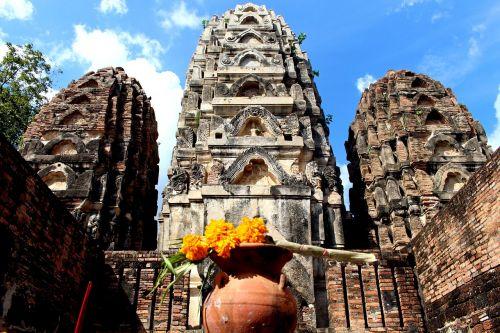 Tailandas,šventykla,budizmas,buda,šventyklos kompleksas,kelionė,gamta,istoriškai,asija,lankytinos vietos,verta aplankyti,gėlės