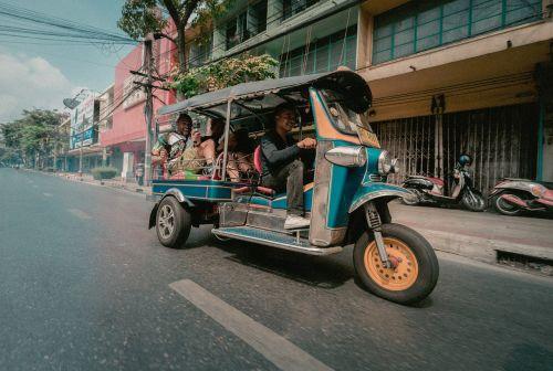 thailand tuktuk road
