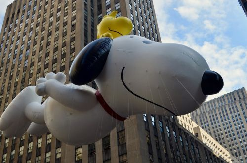 thanksgiving parade snoopy