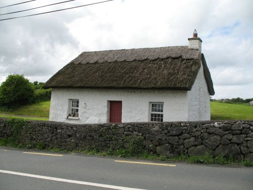 thatched cottage thatch