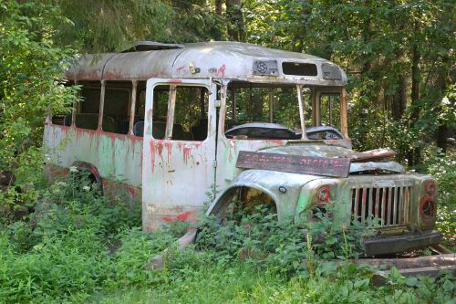 the abandoned bus old