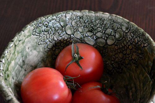 the bowl tomato eating
