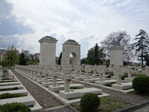 the cemetery of lwów eaglets lions necropolis