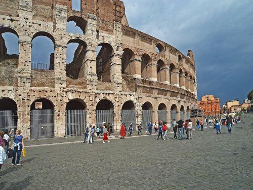 the coliseum architecture monumental