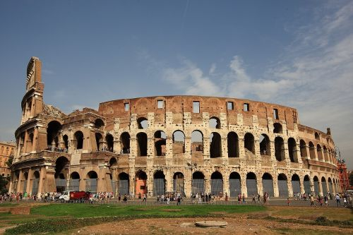 the colosseum roman italy