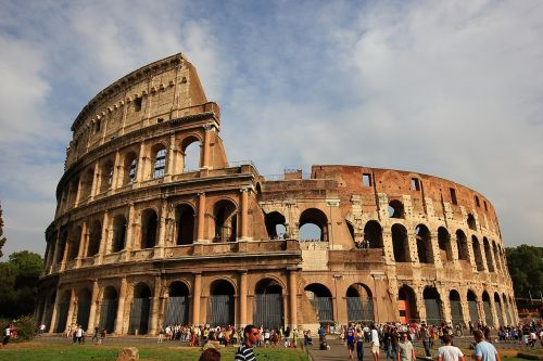 the colosseum roman italy