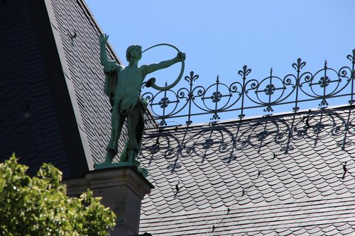 the district court of hamburg  district court  roof