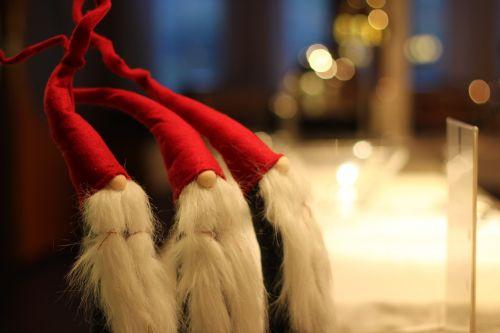 the elves christmas santa claus