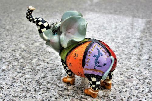 the figurine elephant porcelain