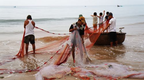 the fishing village drag-net people