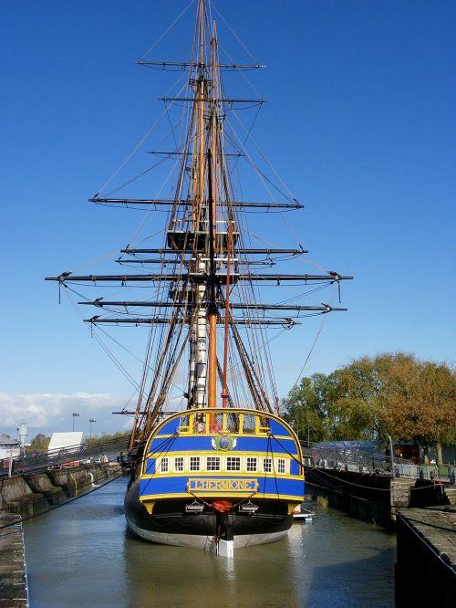 the frigate hermione lafayette sailboat frigate