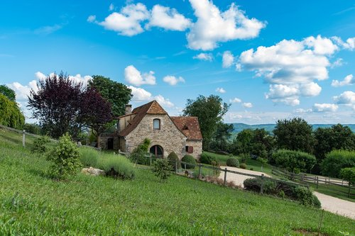 the hamlet of the path of the sources  sarlat la caneda  village
