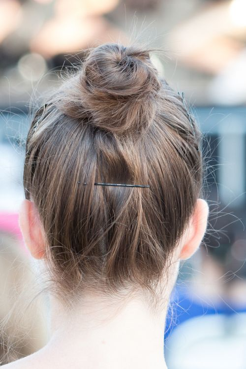 the head of the the girls title hair
