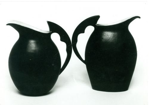 the juice jug ceramics black