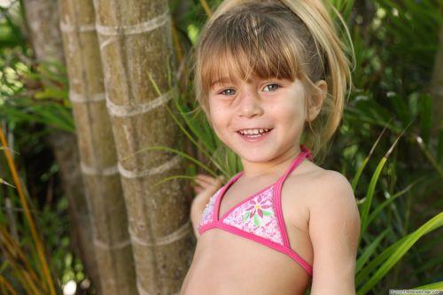the little girl bikini a smile