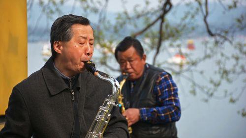 the old man saxophone xuanwu lake