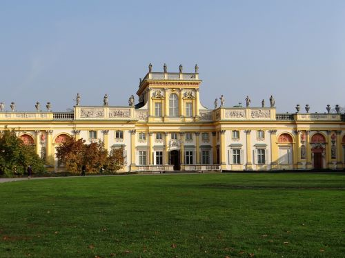 the palace in wilanow the palace monument