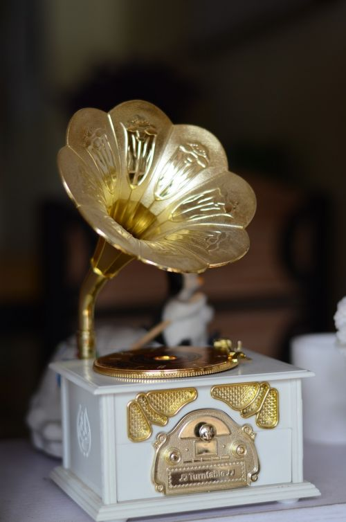 the phonograph music ornament