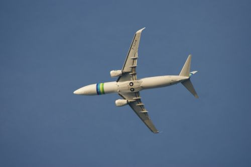 the plane sky landing