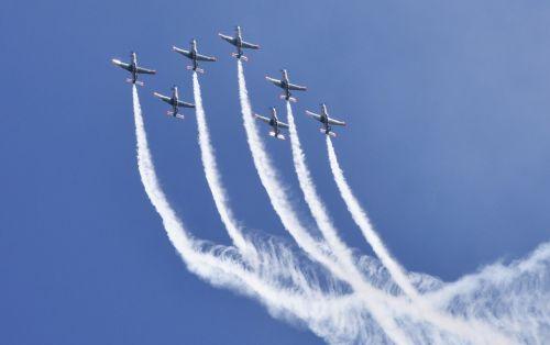 the plane f-16 f16