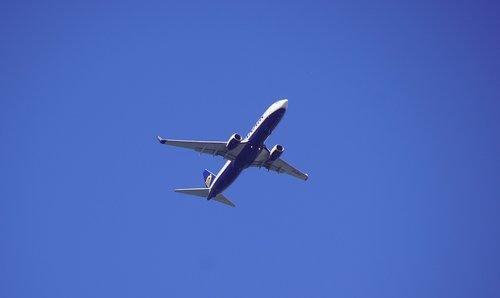 the plane  flight  transport