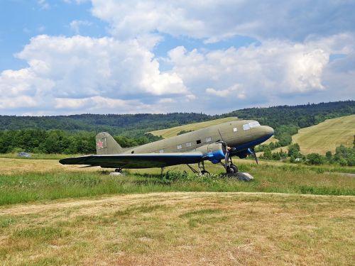 the plane aviation monument