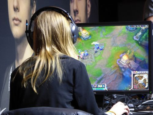 the player playing woman