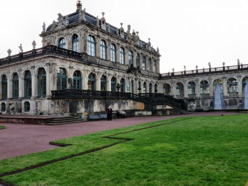 the porzellanpavillon kennel dresden