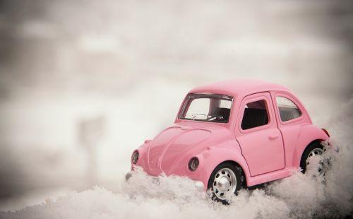 atvirukas,dovanos,valentine,tau,klaida,vw,automobilis,rožinis,sniegas,snieguotas kelias,žiema,modelis,stiprus sniegas,kelias,sunkus kelias,volswagen galima atidaryti,klasikinis,klasikinis automobilis,vabalas,horas,vėžlys,meilė,ilgas kelias,eismas,manipuliavimas,kocaeli,tvenkinys,Turkija,siauras kelias,ledas,ledinis kelias,ledas automobilis,guma,stiprus