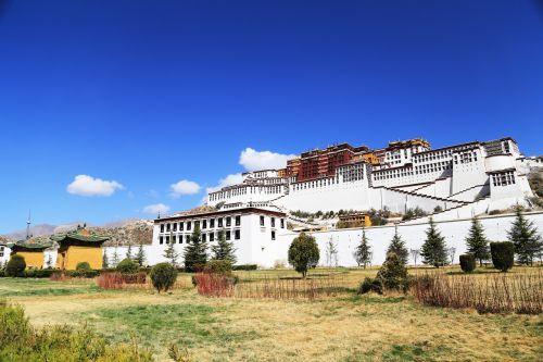 the potala palace lhasa tibet